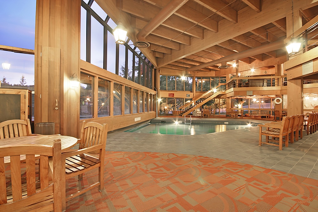 Breckenridge pool retina
